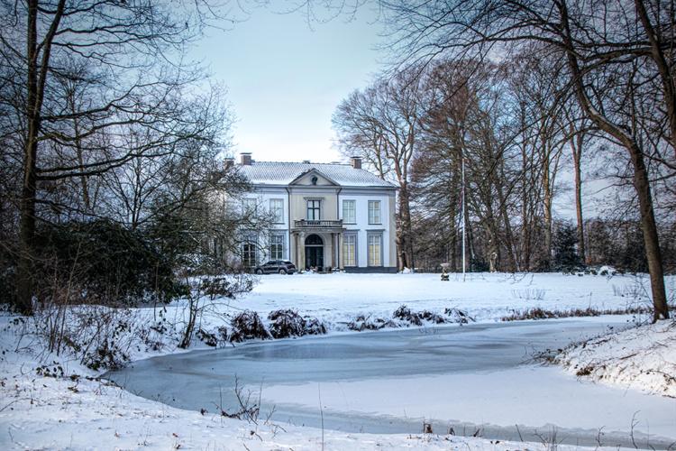 Den Alerdinck en de Colckhof in de sneeuw